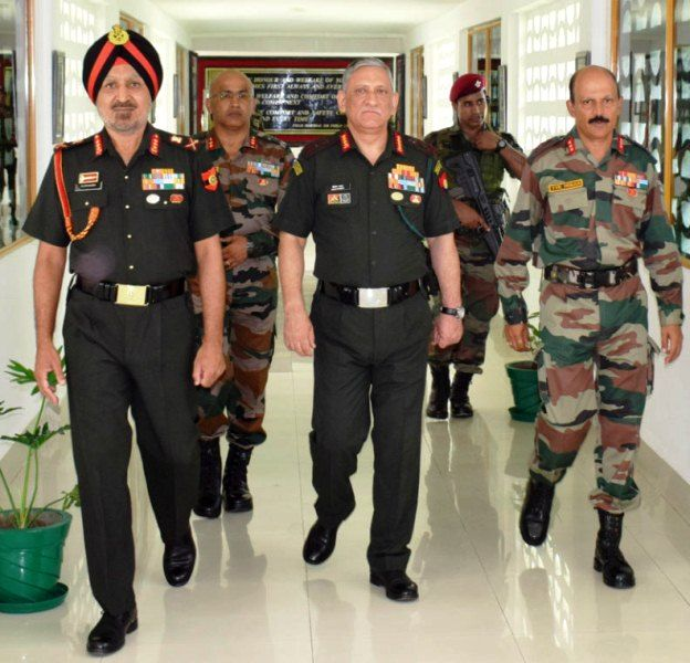 Bipin Rawat (centre) with other Indian Army officials