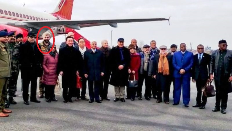 DSP Davinder Singh with foreign diplomats visiting Kashmir in January 2020