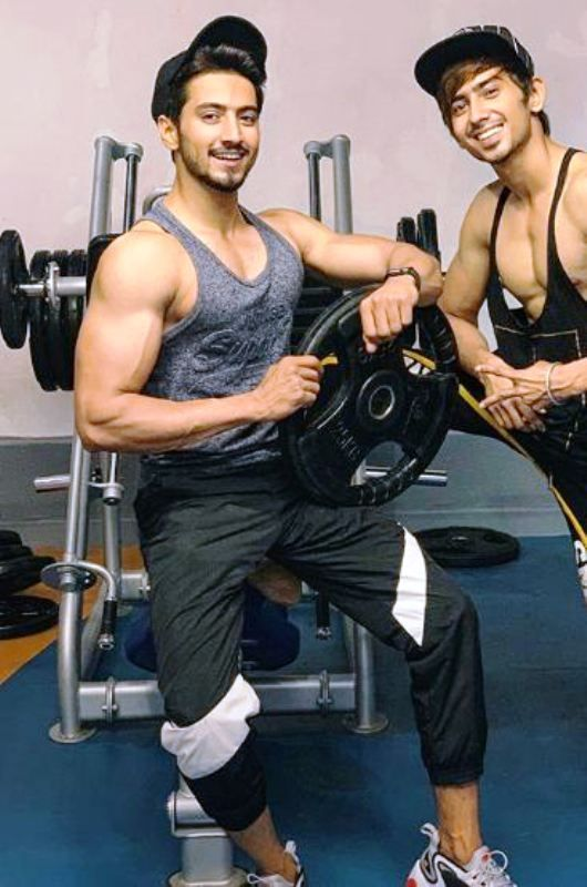 Faisal Shaikh Working Out in Gym