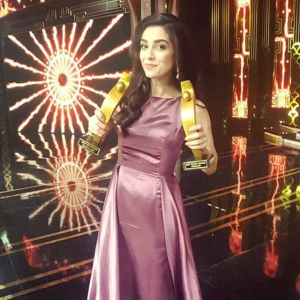 Maya Ali with her Hum Awards