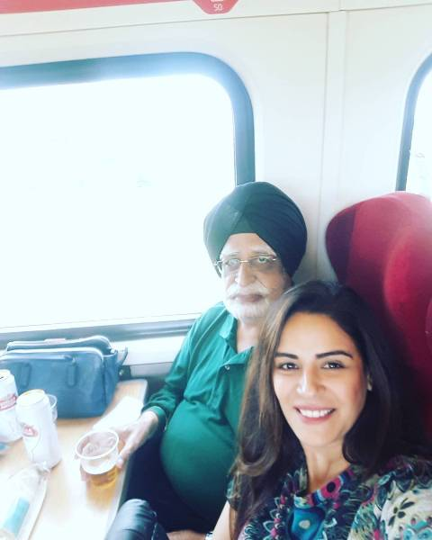 Mona Singh with her father