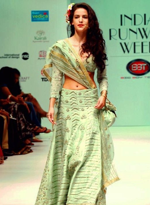 Natasa Stankovic walking the ramp for India Runway Week