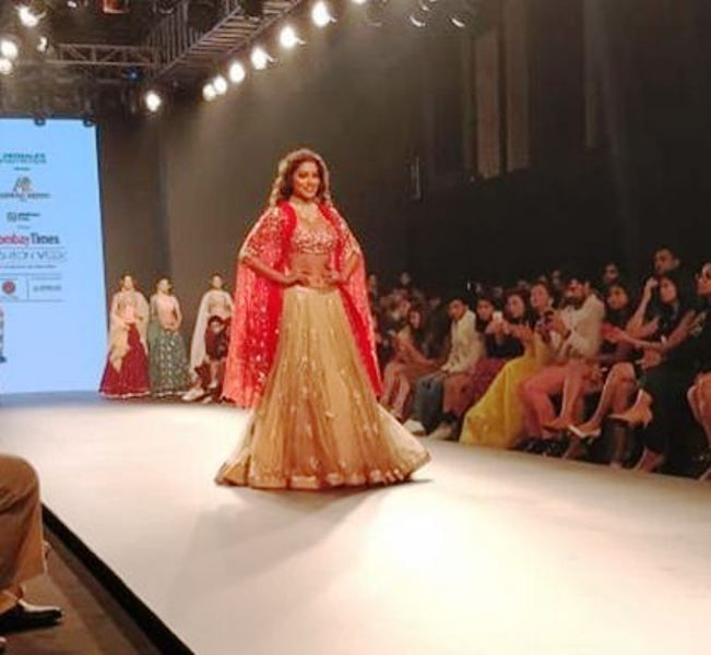 Shriya Saran Walking the Ramp