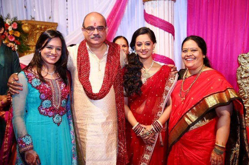 Spruha Joshi with Her Family