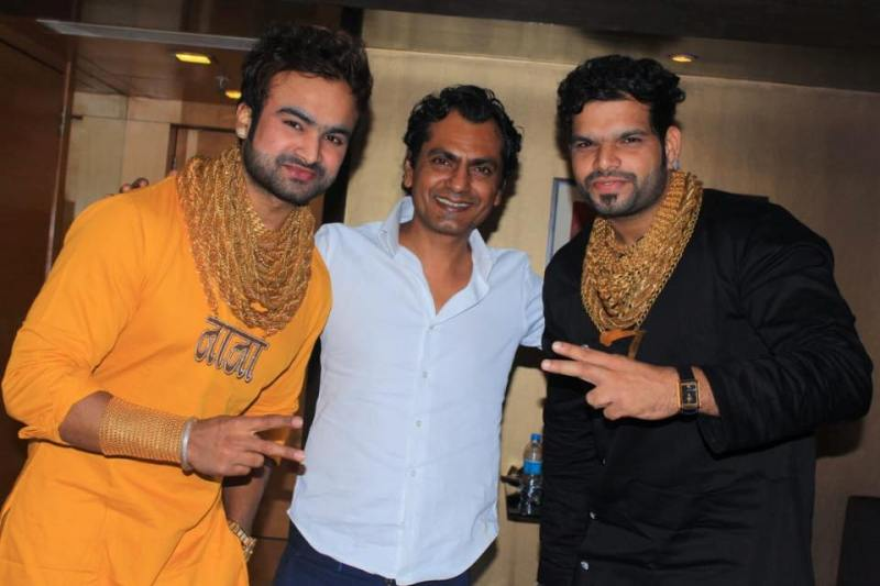 Sunny Waghchoure and Sanjay Gujar with Nawazuddin Siddiqui