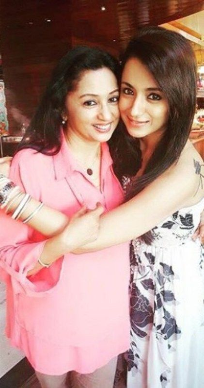 Trisha Krishnan with her Mother