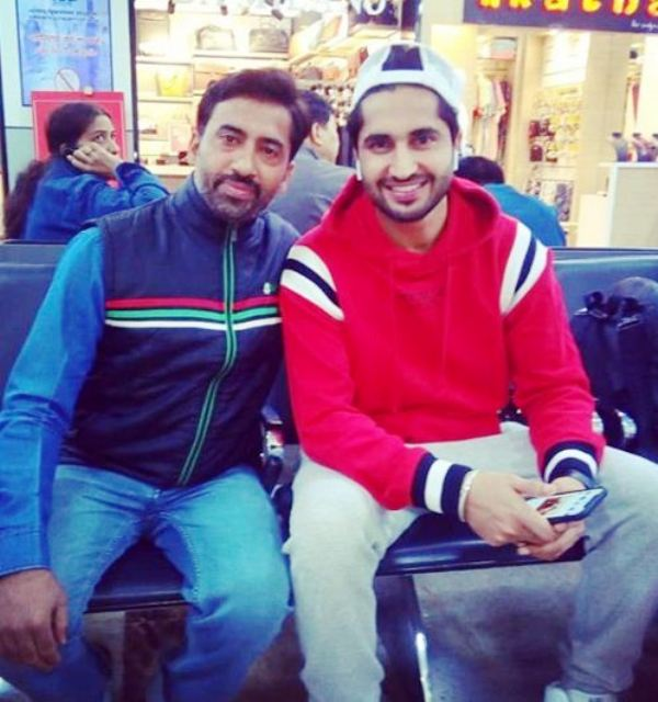 Yagya Bhasin's Father with Jassie Gill