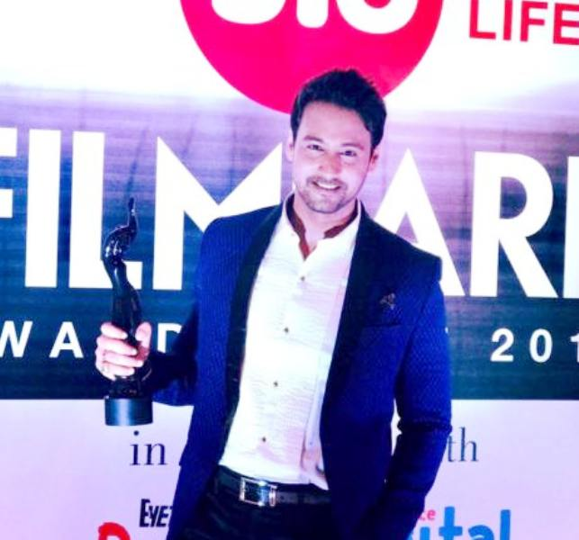 Yash Dasgupta with his Filmfare Award