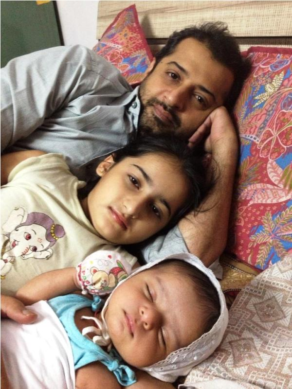 Aayudh Bhanushali with His Sister and Father
