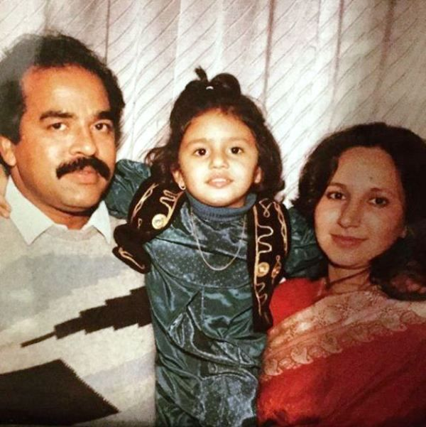 An Old Picture of Huma Qureshi with Her Parents
