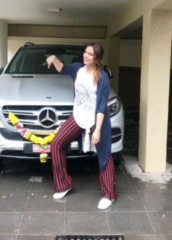 Huma Qureshi with Her Car