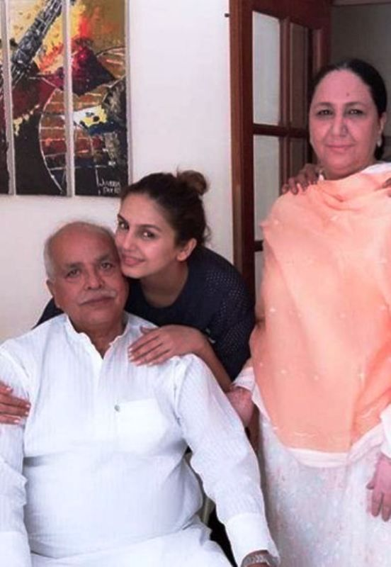 Huma Qureshi with Her Parents
