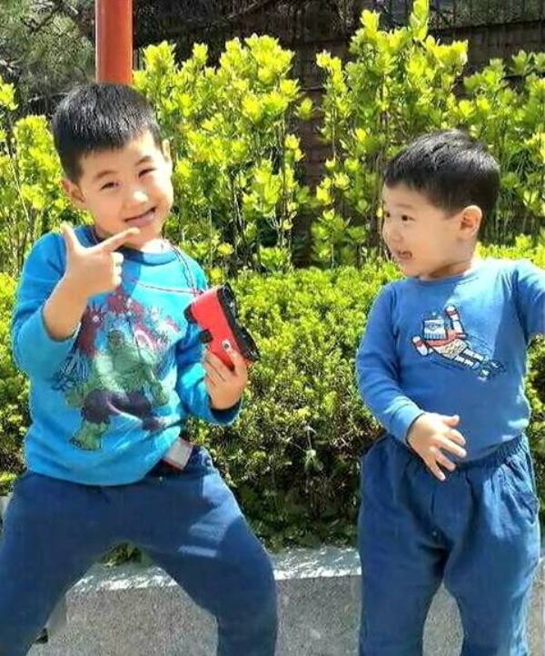 Lee Sun-kyun's Sons