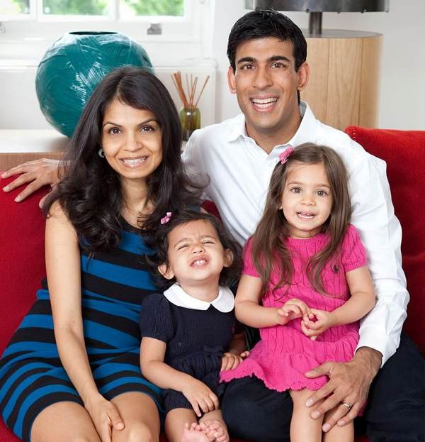 Rishi Sunak with wife Akshata Murthy and children