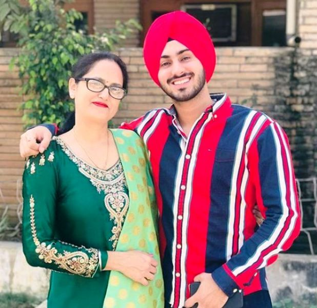 Rohanpreet Singh with His Mother