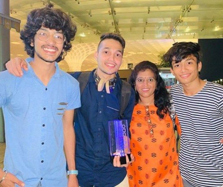 Rupesh Bane with his Mother and Brothers