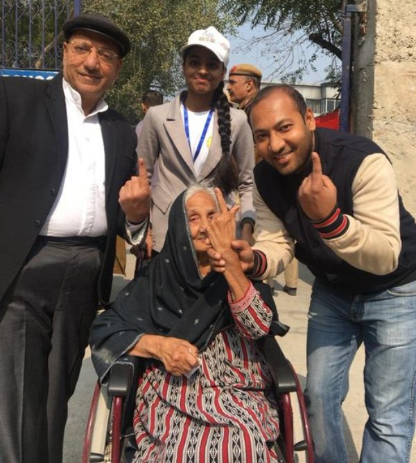 Sunita Kejriwal's mother, who went to cast her vote at the age of 88