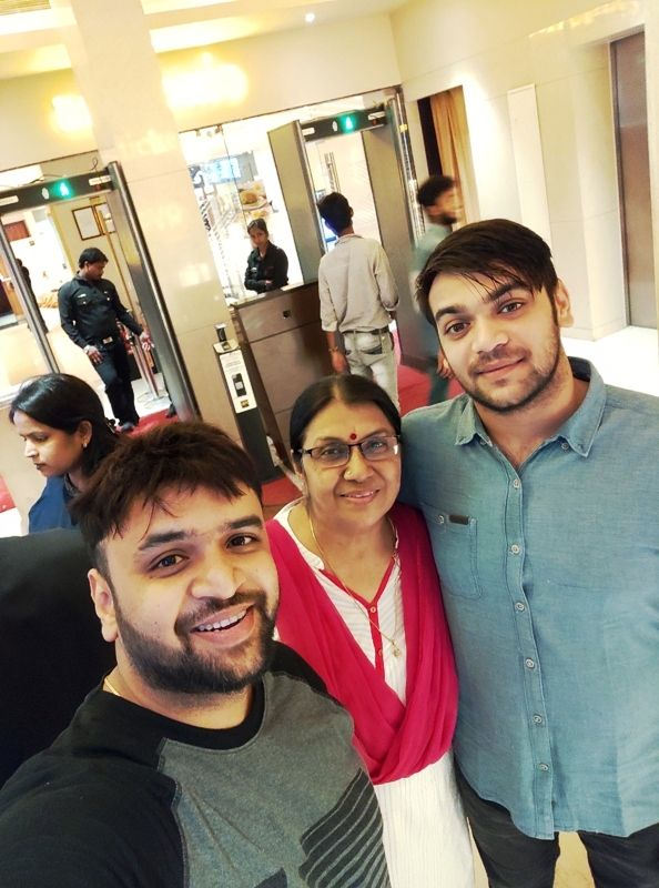 Vaibhav Saxena With His Mother and Younger Brother Utkarsh