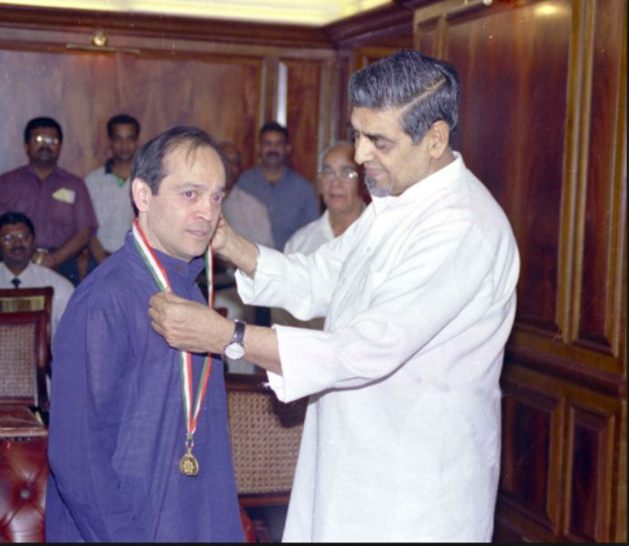Vikram Seth Honoured with Pravasi Bharatiya Samman