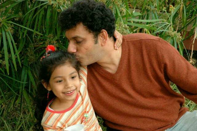 Waris Pathan with daughter