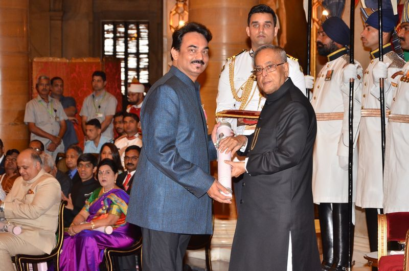 Wendell Rodricks Receiving Padma Shri