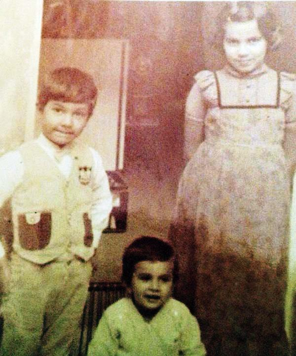 A Childhood Picture of Dr. Anjali Hooda Sangwan With Her Brothers