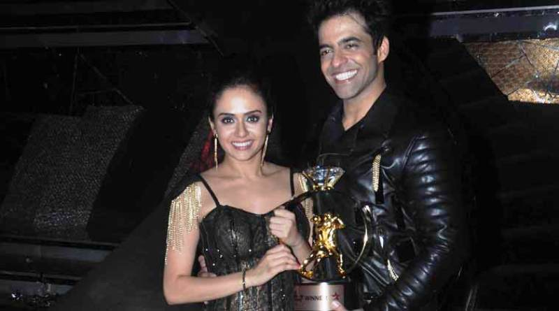 Amruta Khanvilkar and Himmanshoo Malhotra With Nach Baliye Trophy