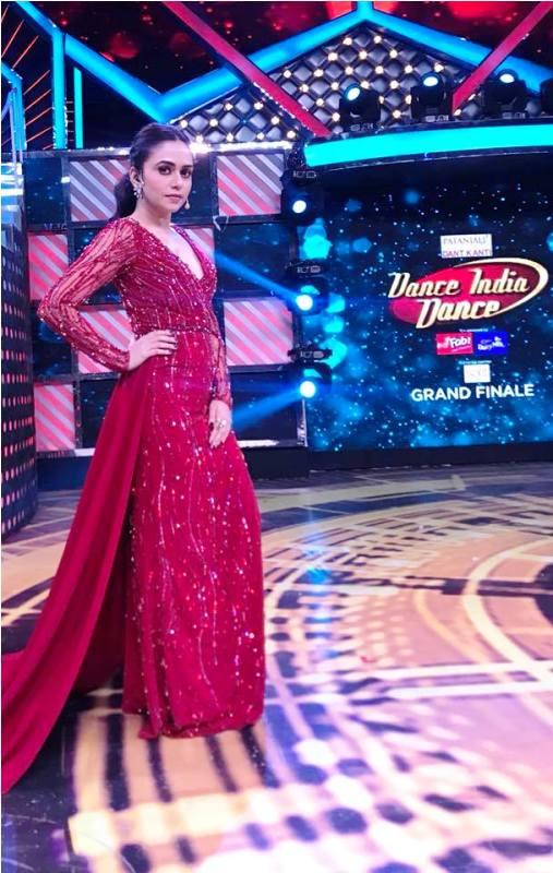 Amruta Khanvilkar in Dance India Dance 6