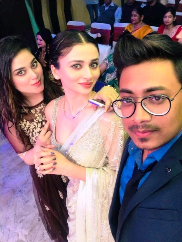 Ankita Srivastava With Her Sister and Brother