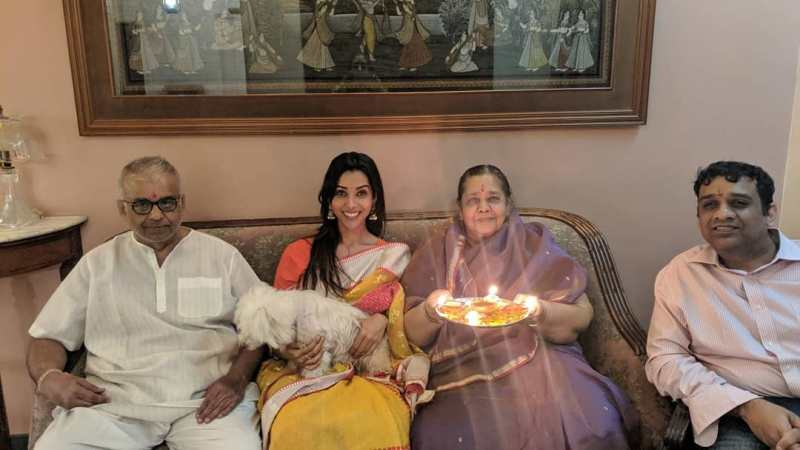 Anupriya Goenka with her Family