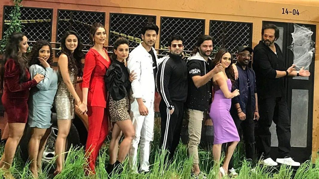 Dharmesh Yelande with the Team of Khatron Ke Khiladi 10