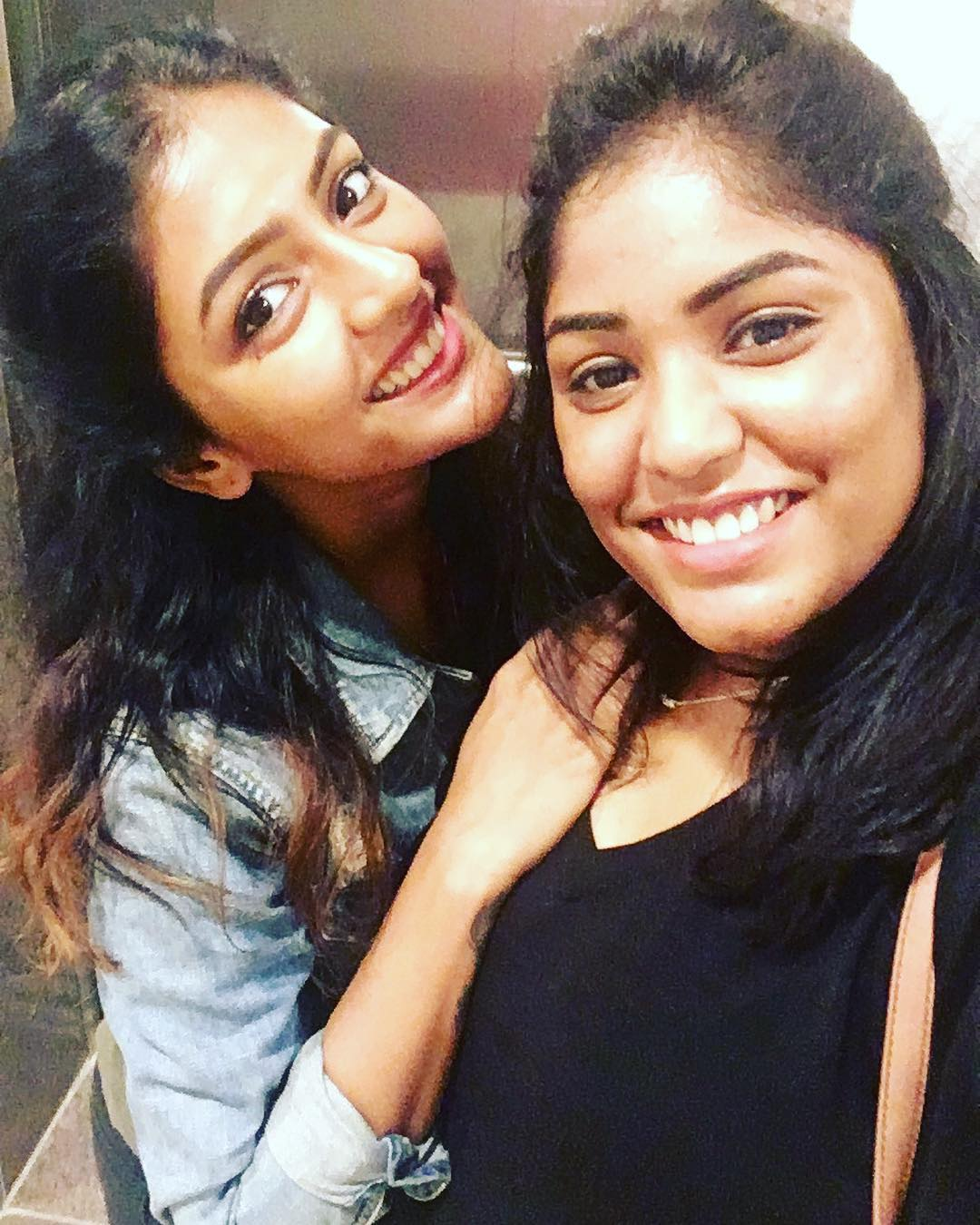 Eesha Rebba with her sister
