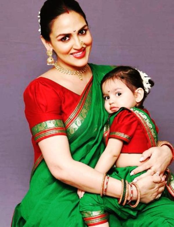 Esha Deol With Her Daughter, Radhya
