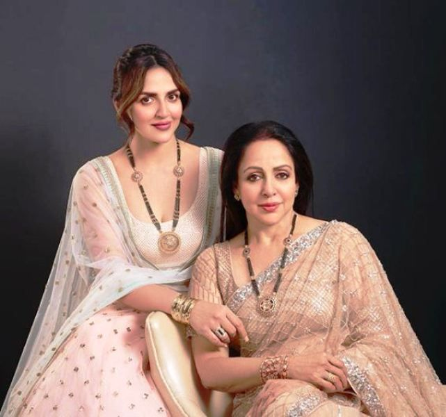 Esha Deol With Her Mother, Hema Malini