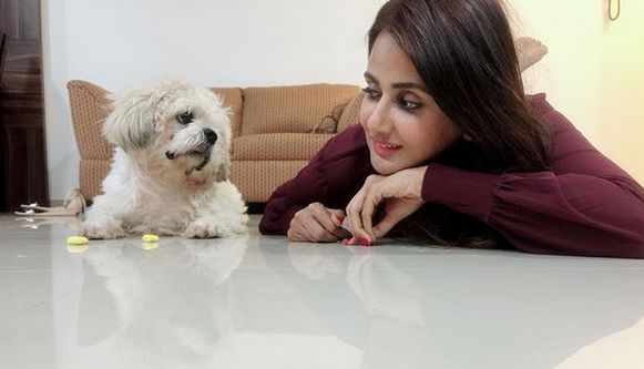 Parul Yadav with her pet dog