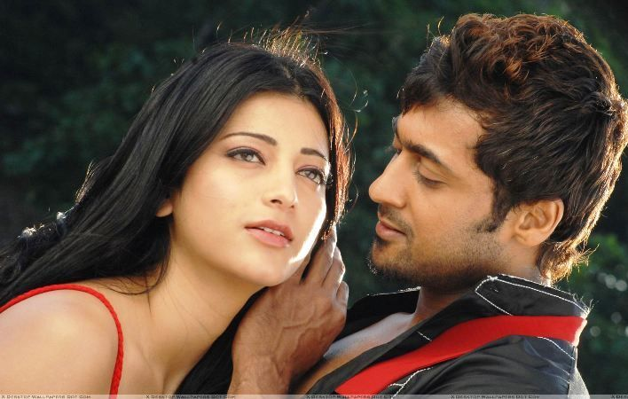 Shruti Haasan With Suriya in 7aum Arivu