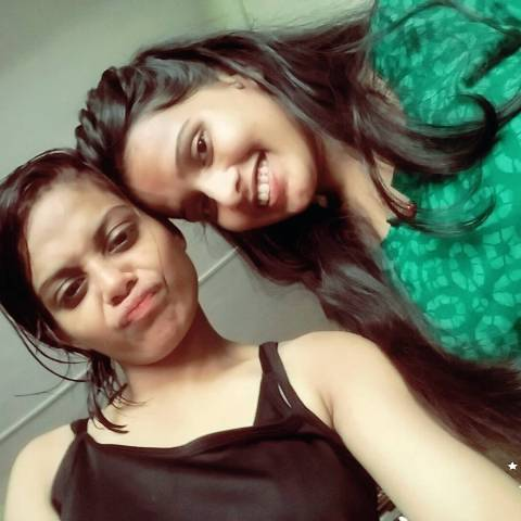 Sonal Vichare with her sister