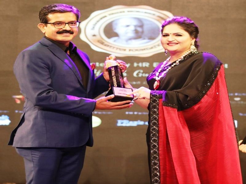 Sumit Awasthi Receiving Dadasaheb Phalke Excellence Award