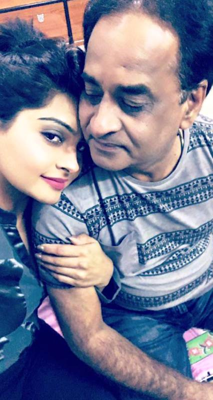 Yukti Kapoor With Her Father