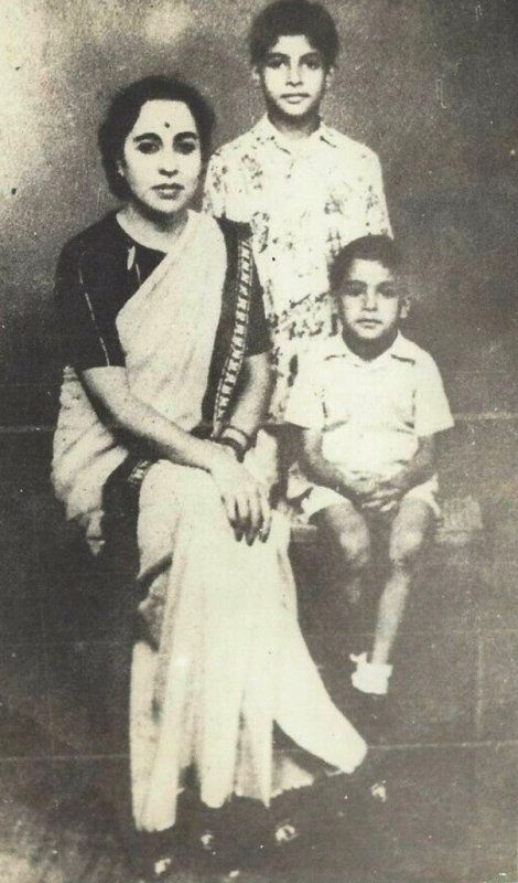 An Old Photo of Teji Bachchan With Her Sons Amitabh and Ajitabh
