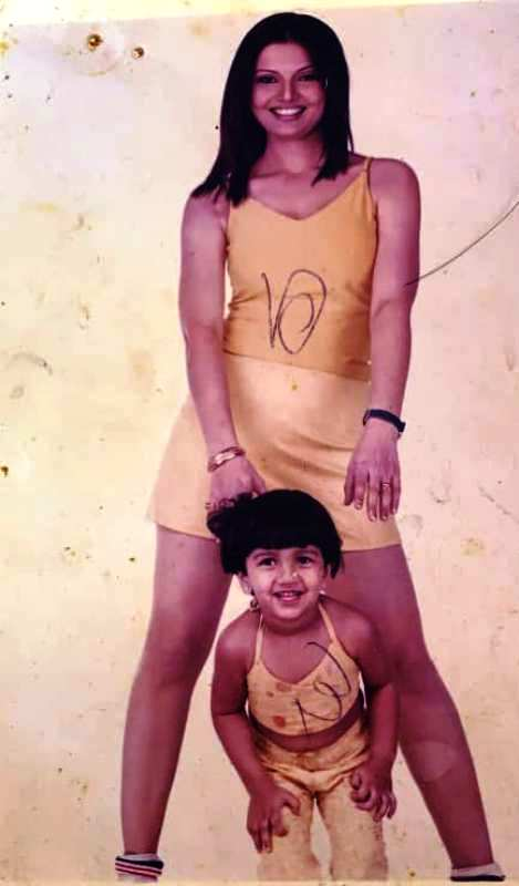 An Old Picture of Deepshikha Nagpal With Her Daughter