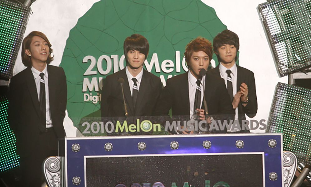 CNBLUE Giving Acceptance Speech at Melon Music Awards