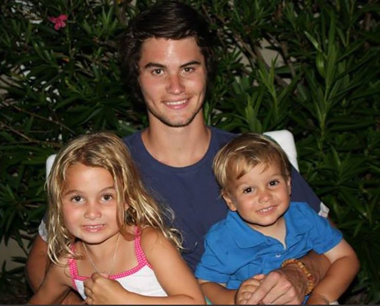 Chase Stokes with his Siblings