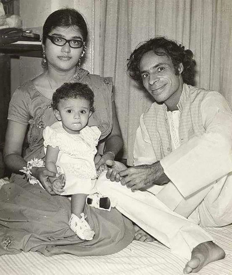 Jaun Elia with his Wife and Child
