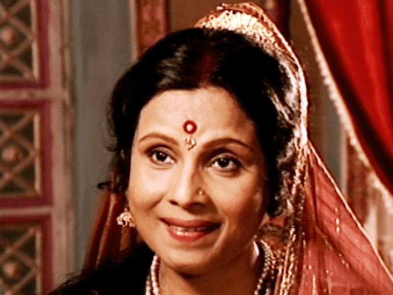 Jayshree Gadkar as Kaushalya in Ramayan