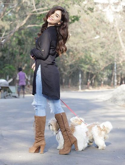 Kangna Sharma with her pet dog
