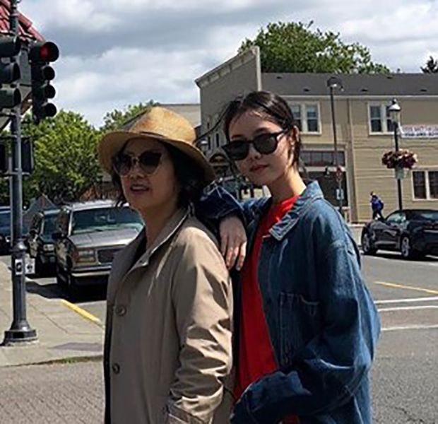 Kim Ye-won with her Mother