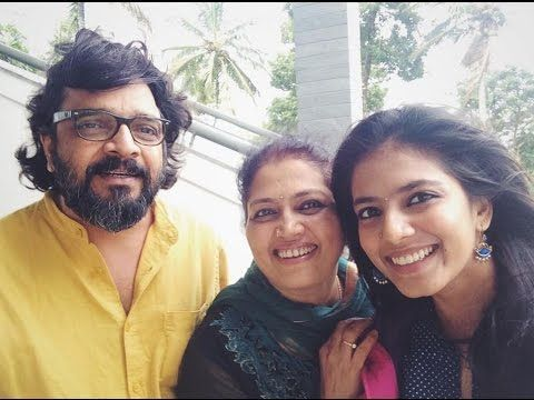 Malavika Mohanan with her parents