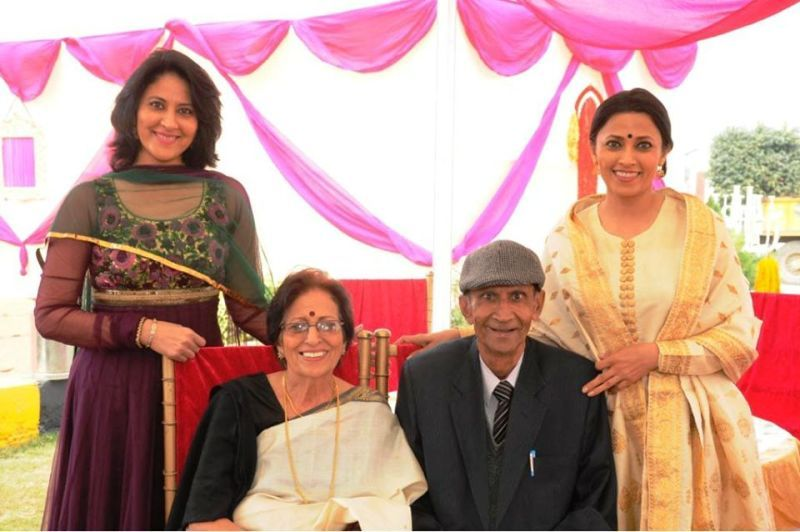 Mimansa Malik With Her Parents and Sister