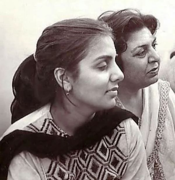 Neetu Singh With Her Mother